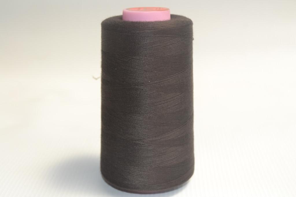 Швейные нитки разных цветов 919