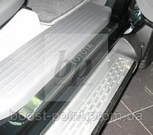 Защитные хром накладки на пороги Toyota Hilux 4D (Тойота хайлюкс 2005+)