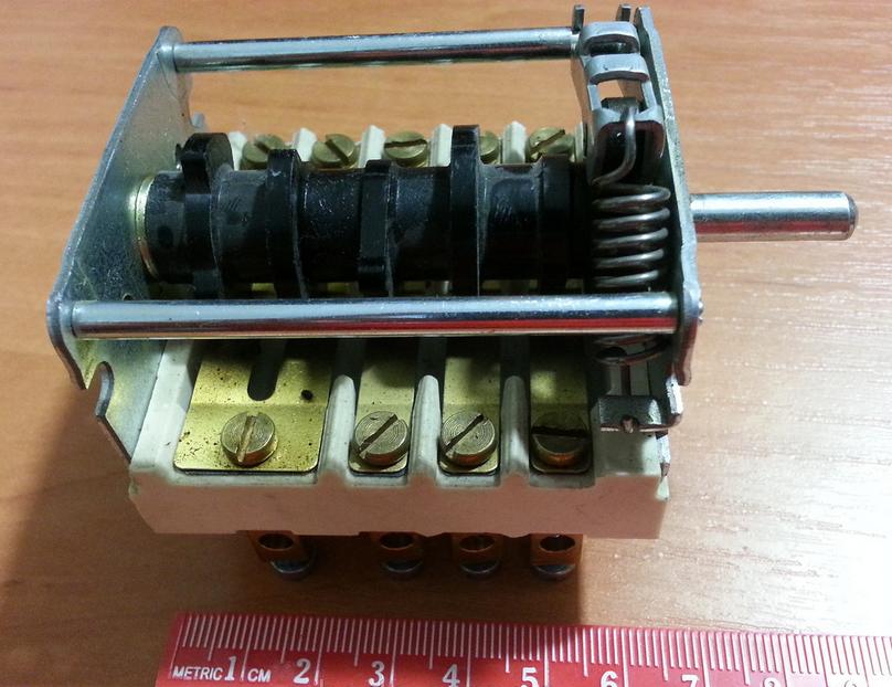 Пакетний перемикач 73447 (7 положень / 32А) для плити Kogast ESK 29/49