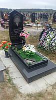 Новий памятник із чорним квітником граніту