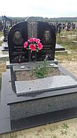 Подвійний пам'ятник із квітником сірого граніту