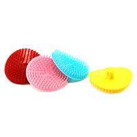 Массажная щетка для шампунирования, цветная (1шт)