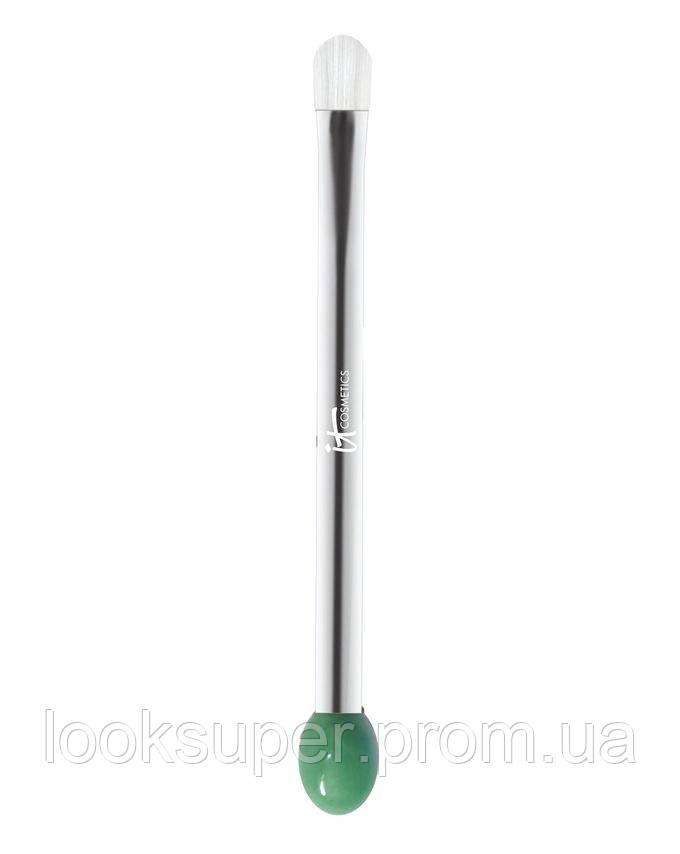 Кисть для нанемения кремов  IT Cosmetics Heavenly Skin 2-in-1 Tap & Smooth Eye Cream Brush #706( 25.23g )