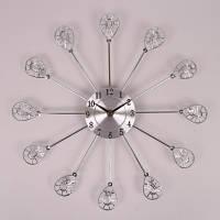 Часы металлические с стразами , диаметр 37 см.