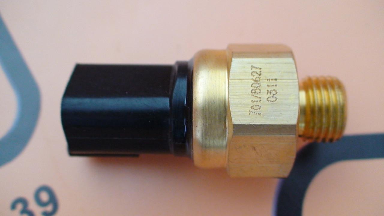 701/80627, 701/80394 Датчик температуры масла КПП на JCB 3CX, 4CX