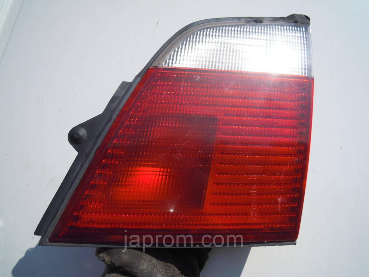 Фонарь крышки багажника правый Nissan Primera WP11 2000-2002г.в
