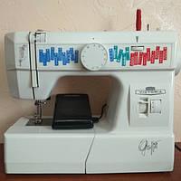 Электромеханическая швейная машинка Victoria 7910