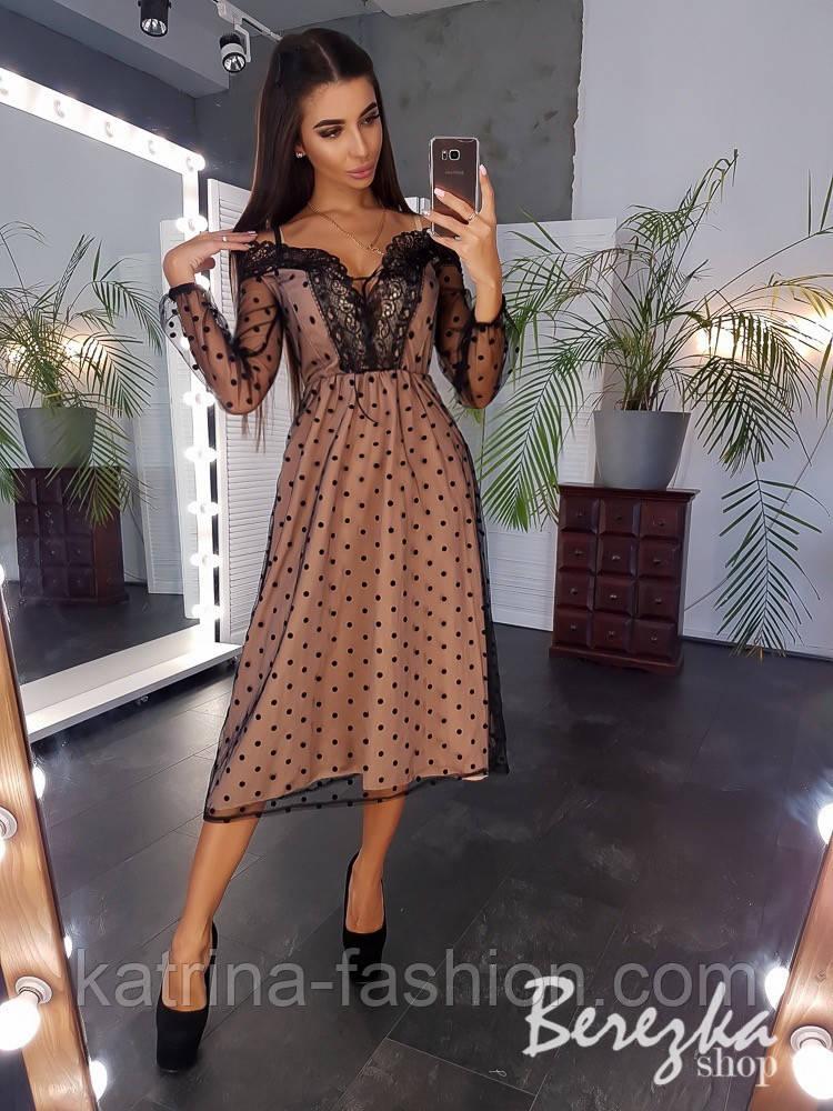 Женское нежное платье в горошек с кружевом
