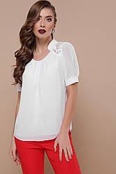 Белая нарядная шифоновая блузка большого размера с короткими рукавами и гипюром