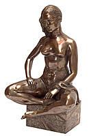 Бронзовая статуэтка девушки
