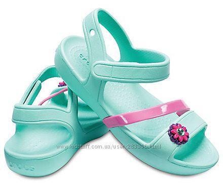 Стильные ментоловые сандалии с цветочком Crocs Крокс Lina Sandals (Размер  с8 (24) Оригинал (США)