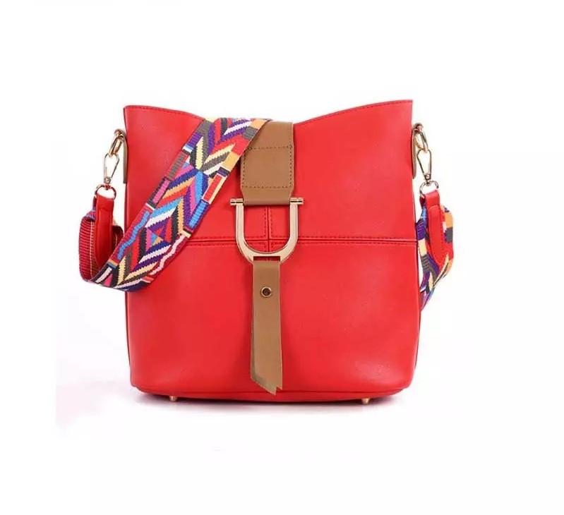 Женская сумка красная с цветным плечевым ремешком набор 2в1 экокожа