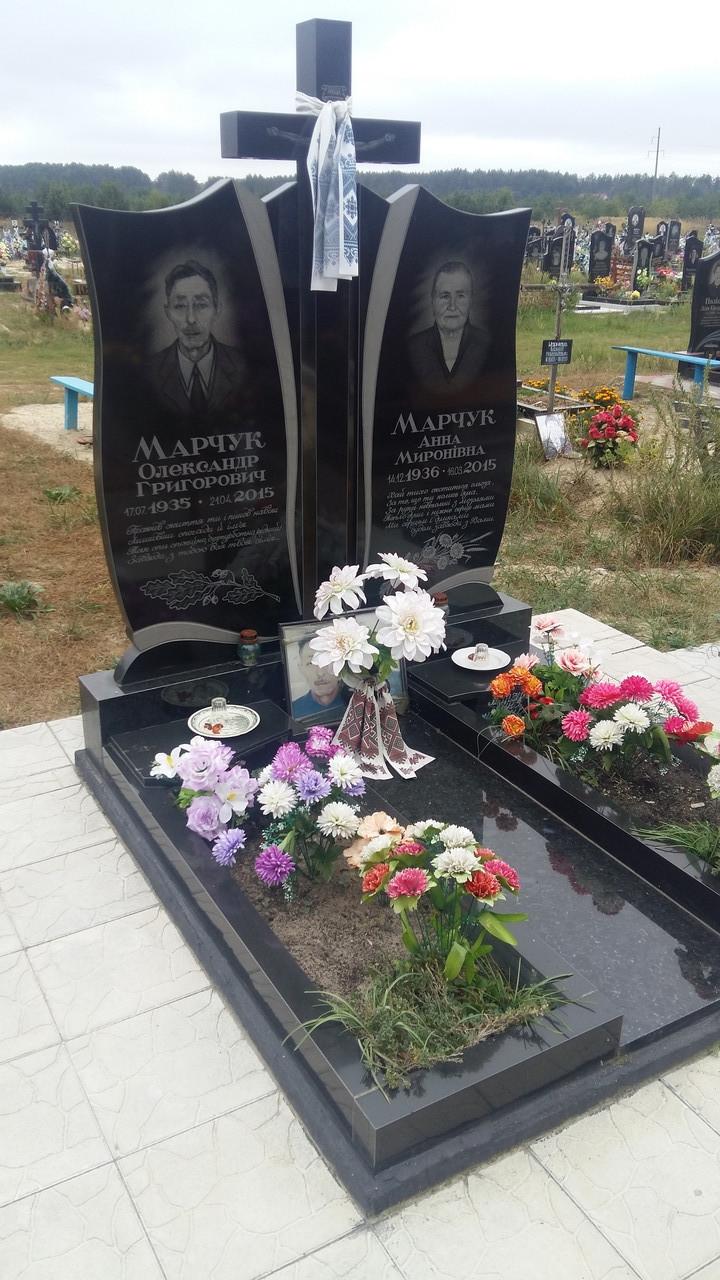 Памятник подвійний на могилу сучасний із гранту
