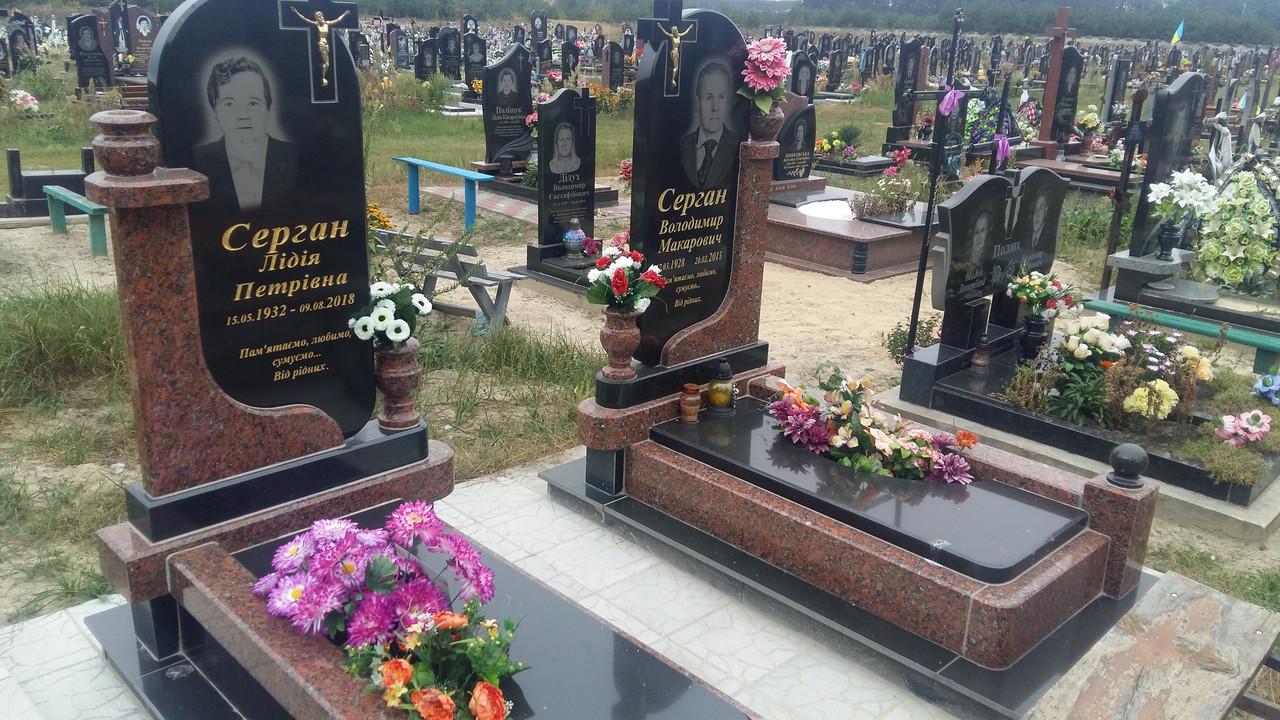 Памятник на могилу комбінований із гранту