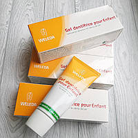 Детская паста-гель Weleda разработана для очищения молочных зубов. 0+