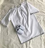 Белый с серебристым набор для крещения 3-ка ( пинетки, длинная рубашка и мешочек для первого локона), фото 2
