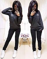 Женский спортивный костюм из трехнитки на флисе с штанами на манжетах и кофтой 11SP724