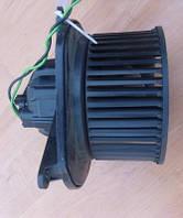 Моторчик печки (вентилятор)JeepCherokee 2008-Valeo   WKLHD 939740F