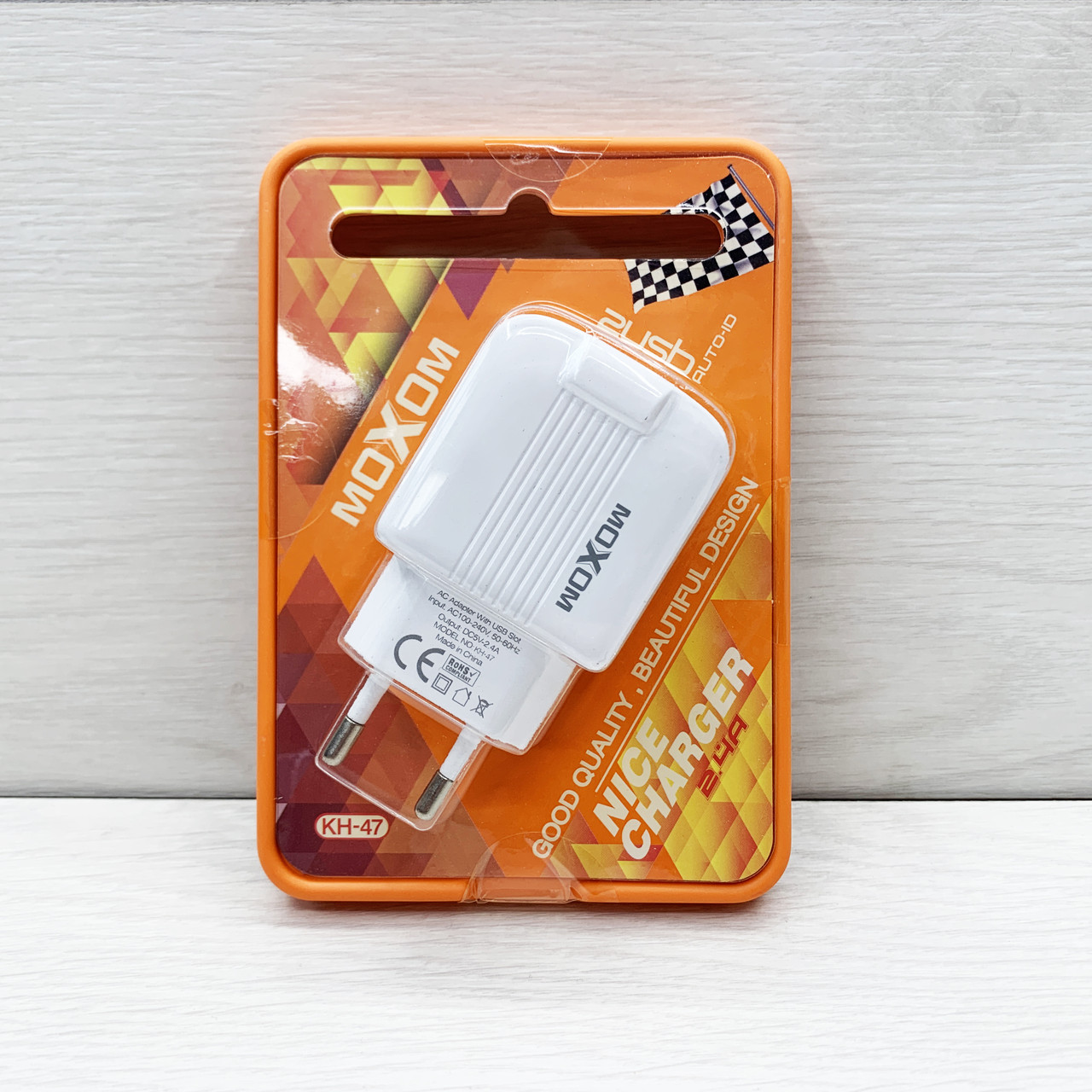 Сетевое зарядное устройство Moxom Nice Charger 2USB 2.4A (белый)