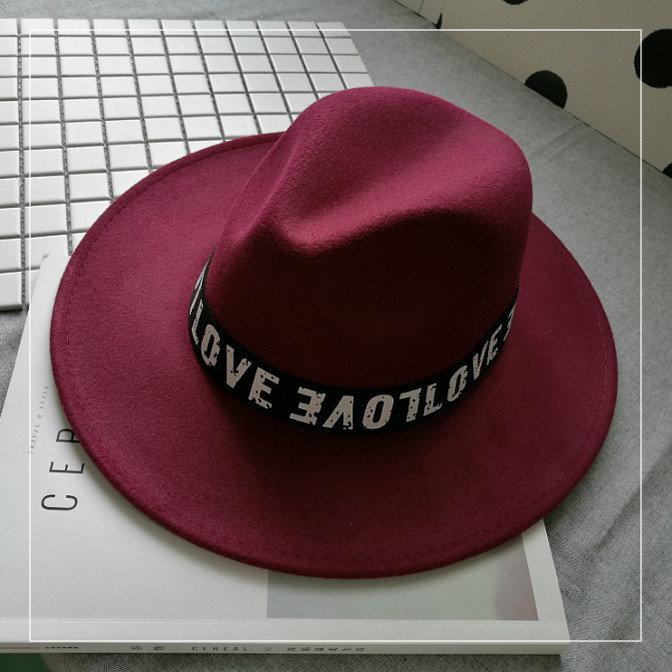 Шляпа женская фетровая Федора LOVE с лентой и устойчивыми полями бордовая (марсала)