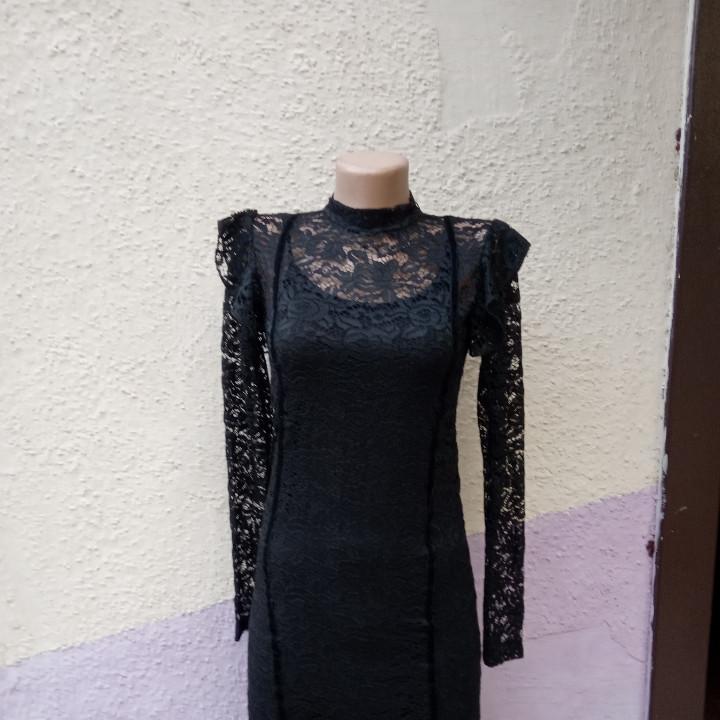 Подростковое платье из гипюра