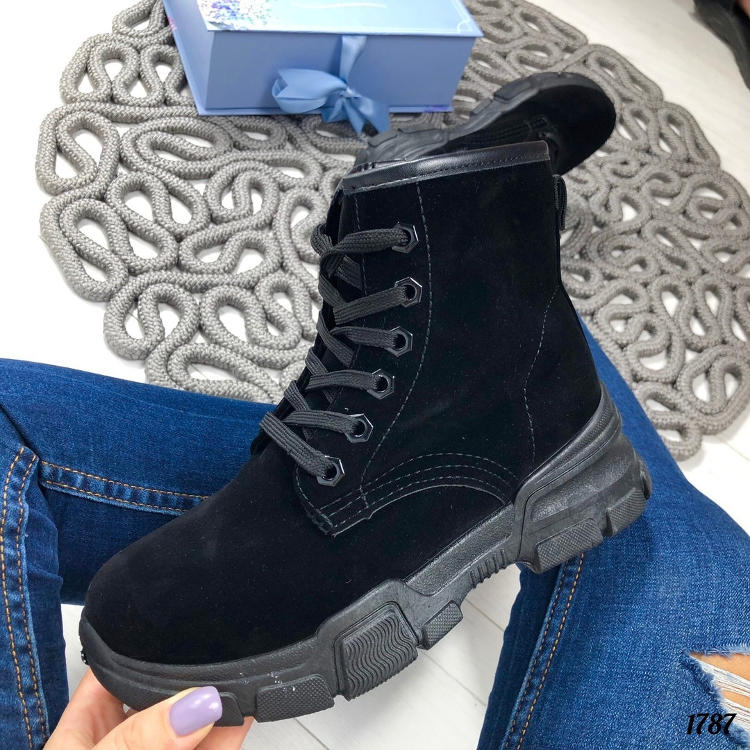 Осенние ботинки на шнурках