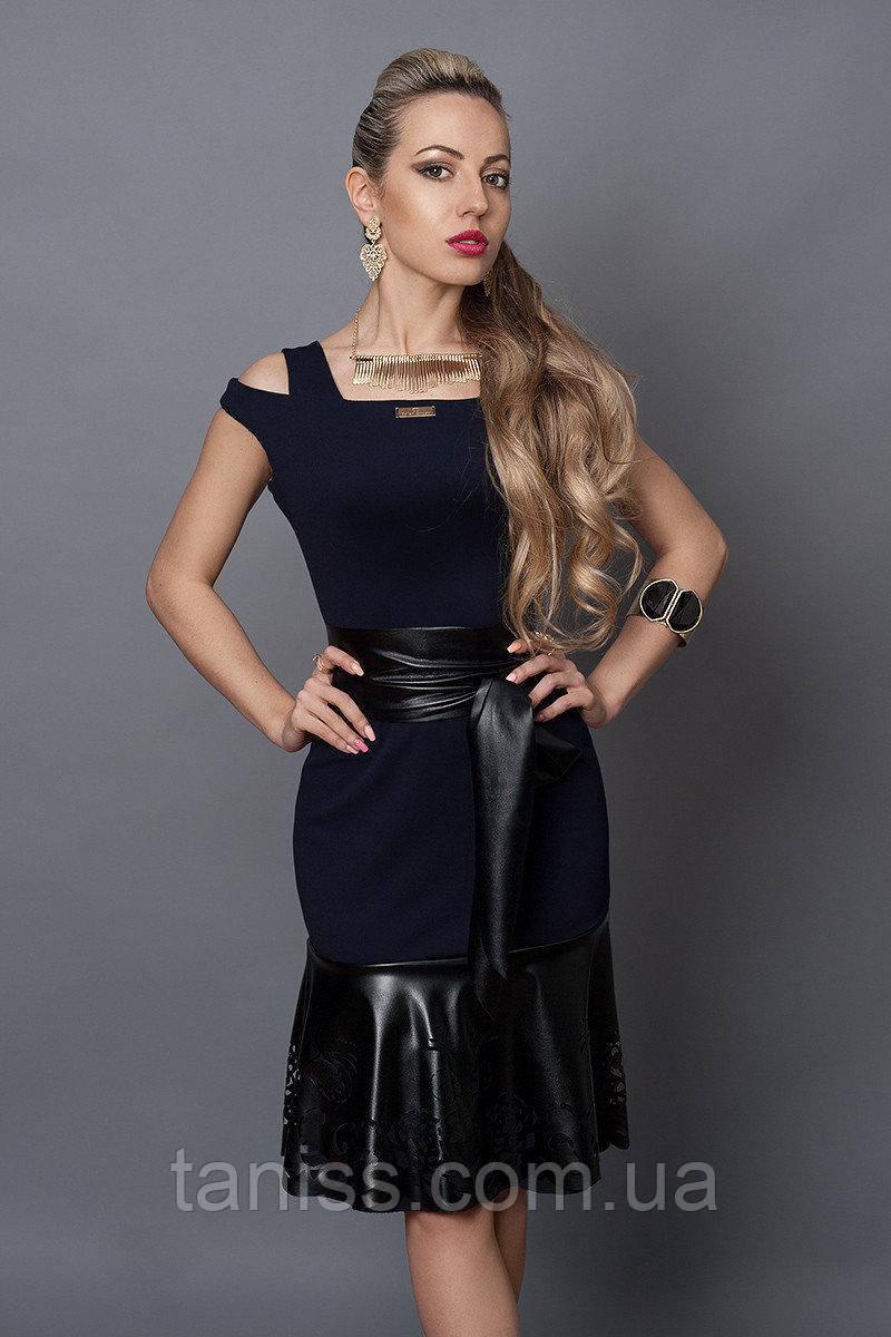 Нарядное, деловое, летнее платье, отделка из экокожи, ткань итальянский креп р. 40,46,48 синий