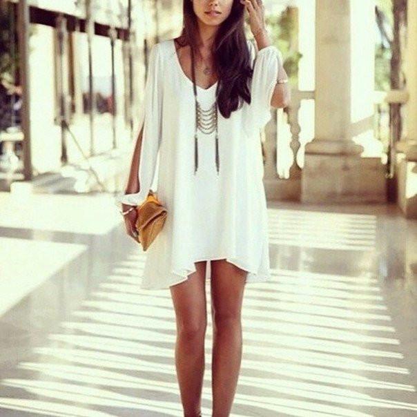 Платье с рукавами с прорезью