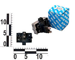 Регулятор напряжения Москвич 412, ПАЗ, УАЗ со щеточным узлом (к генератору Г287, 29.3701). Я112А1-01 (Калуга)
