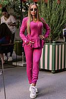 Красивый вязаный женский костюм ягодного цвета