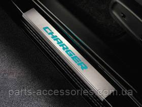 Dodge Charger 2011-2013 LED накладки на дверные пороги с подсветкой новые оригинал