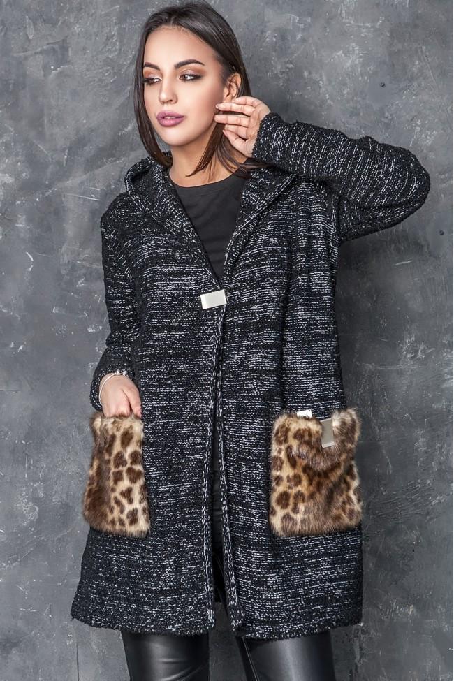 Женкский  кардиган из букле с накладными карманами из меха батал с 50 по 56 размер