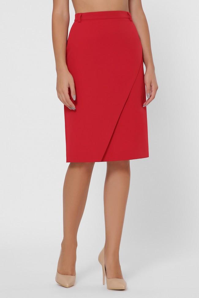 Стильна червона спідниця прямого силуету