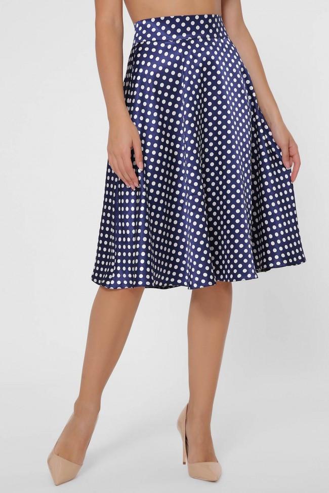 Легкая синяя атласная юбка - клеш в горошек