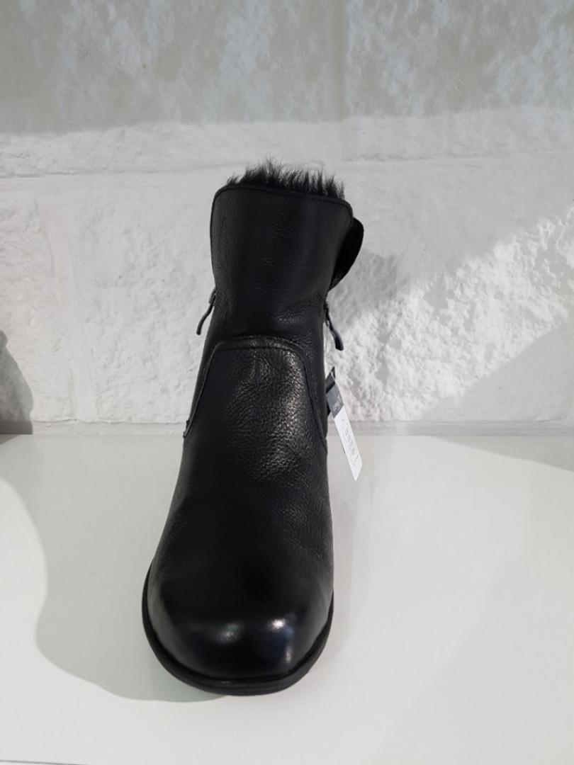 Черевики жіночі утеплені CAPRICE 201 Black Nappa