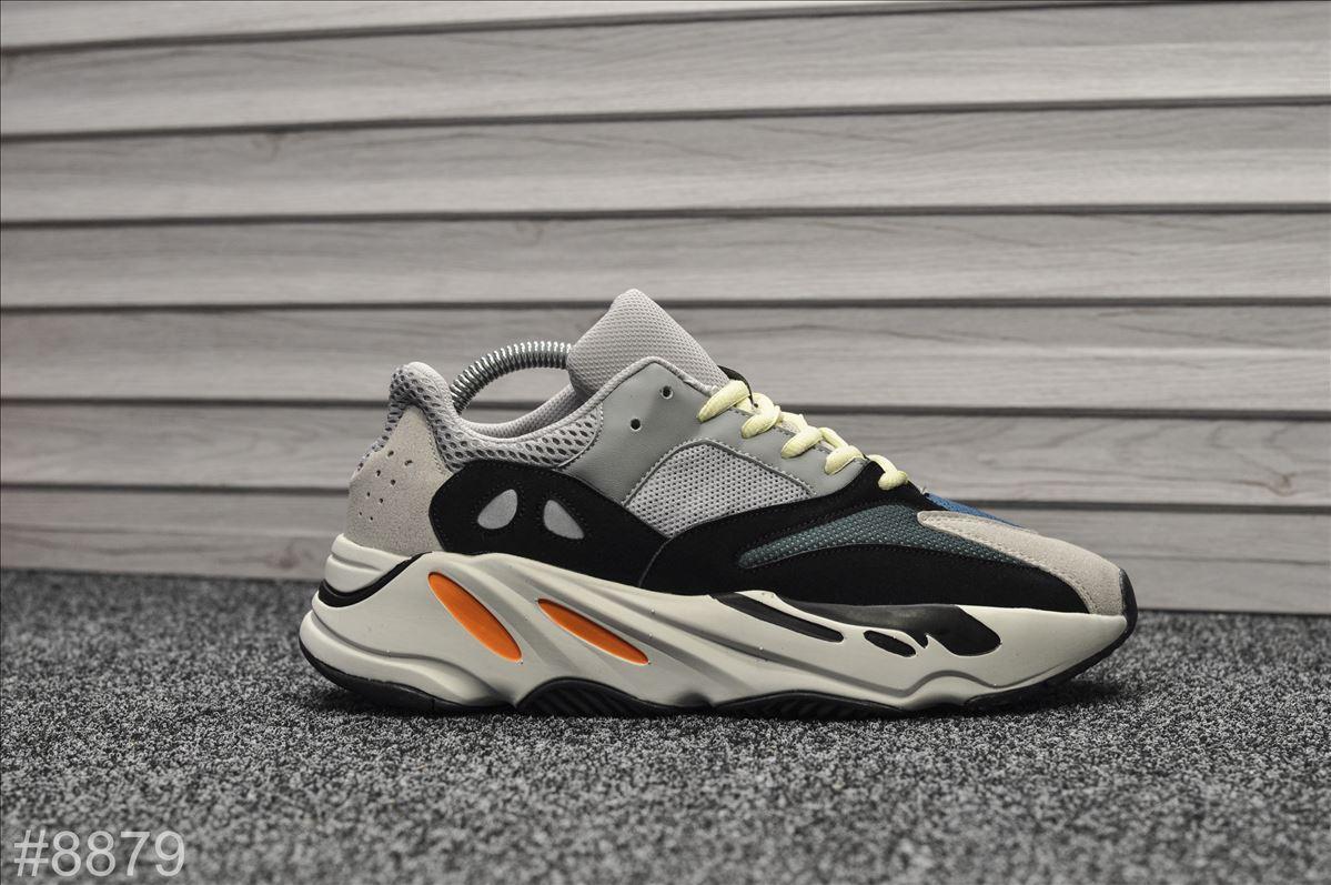Кроссовки мужские Adidas Yeezy 700 Wave Runner.