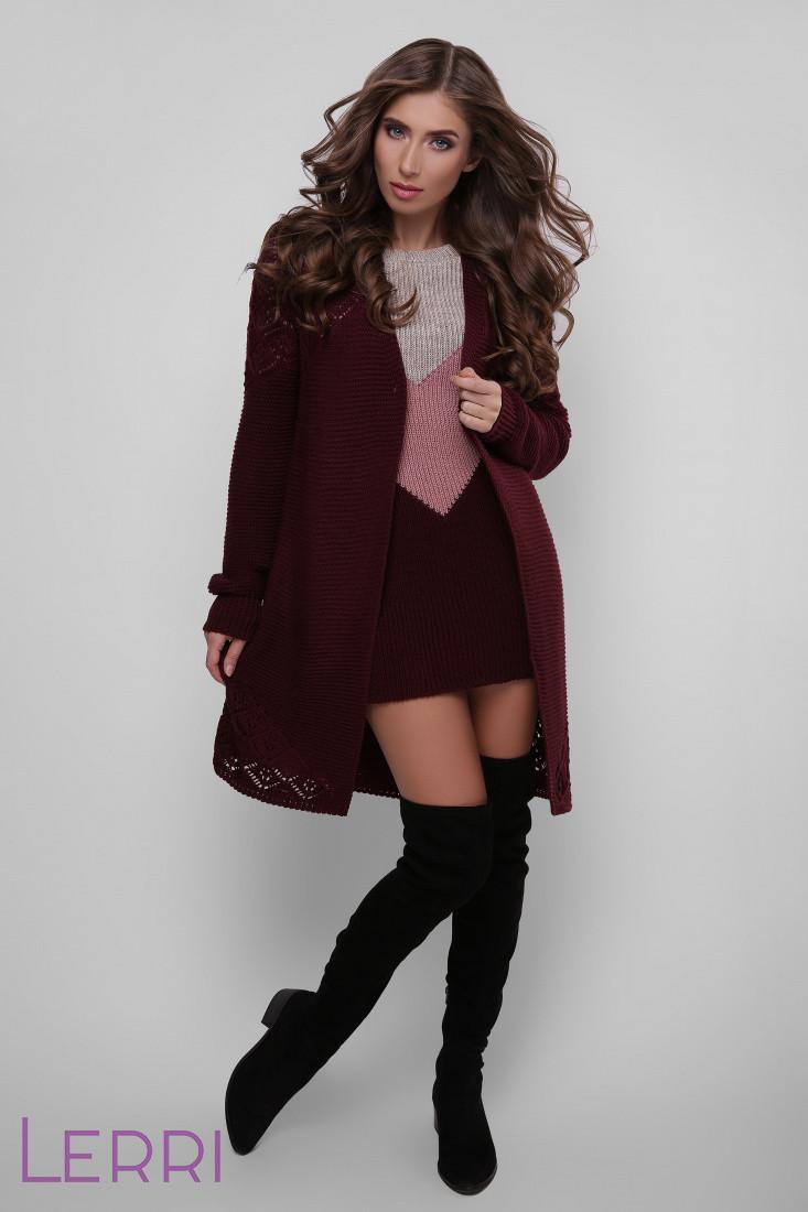 Стильное вязаное платье на каждый день выше колен цвет беж-роза-марсала