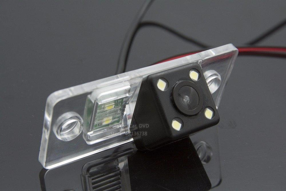 Камера заднего вида универсальная Renault Fluence Dacia Duster Megane 3 Nissan Terrano цветная матрица CCD