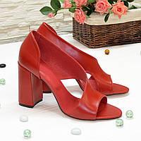 Босоножки женские кожаные на устойчивом каблуке, цвет красный