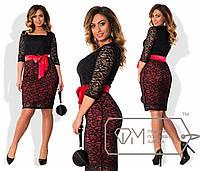 Женское платье из гипюра красное лента