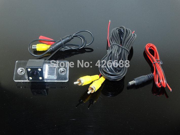 Камера заднего вида универсальная  Porsche Cayenne Skoda Fabia VW Volkswagen Polo(3C) цветная матрица CCD