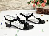 Босоножки женские замшевые на маленьком каблуке, фото 5