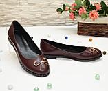 Туфли женские кожаные, декорированные металлическим бантиком, цвет бордо, фото 3