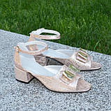 Босоножки женские кожаные на невысоком каблуке, фото 2