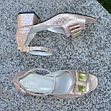 Босоножки женские кожаные на невысоком каблуке, фото 3