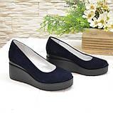 Женские замшевые туфли на устойчивой платформе, цвет синий, фото 4
