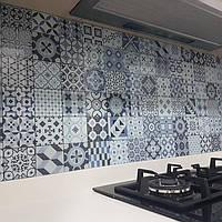 Стеклянная панель под плитку - установка на кухне в Запорожье 2