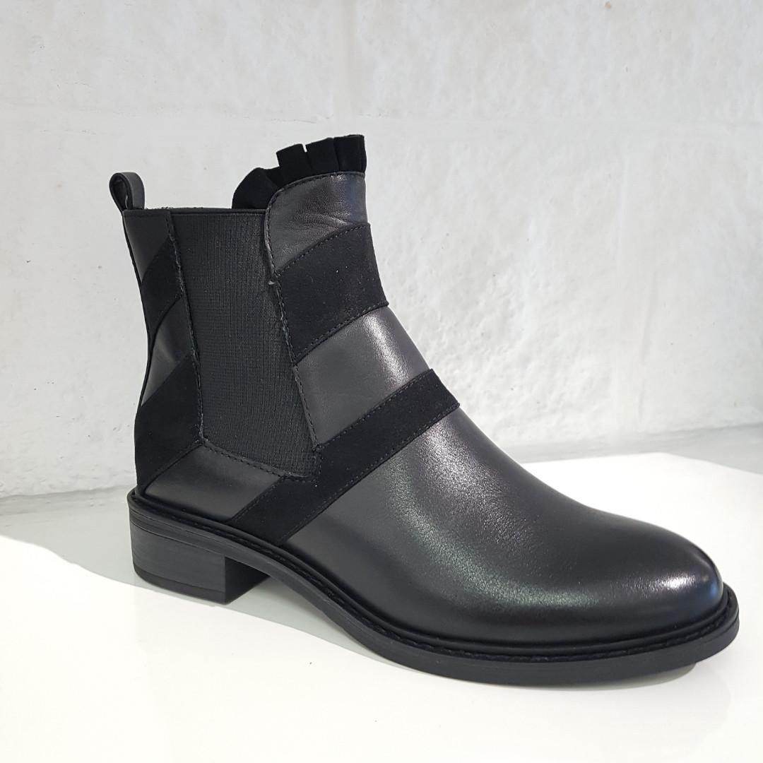 Черевики жіночі TAMARIS чорні 266 Black Comb
