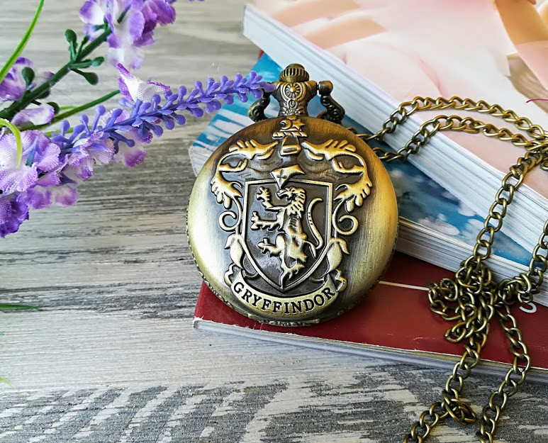 Часы  Хогвартс Гарри Поттер  факультет Гриффиндор Harry Potter