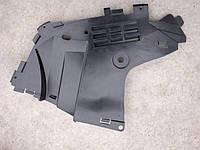 Защита переднего бампера Дачия Логан (передний правый брызговик крыла)
